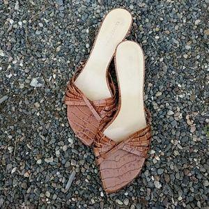 Kenneth Cole kitten heels 8.5